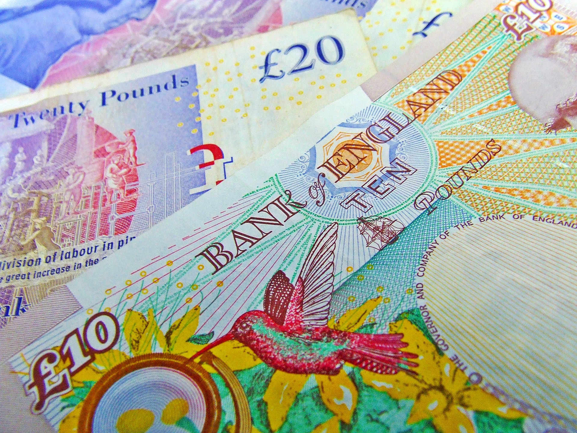 London Capital Group Pound Offered